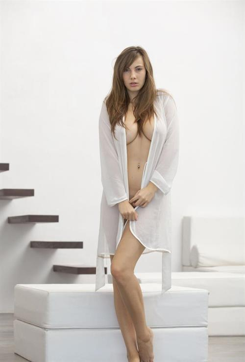 фото порно актрисы каприс