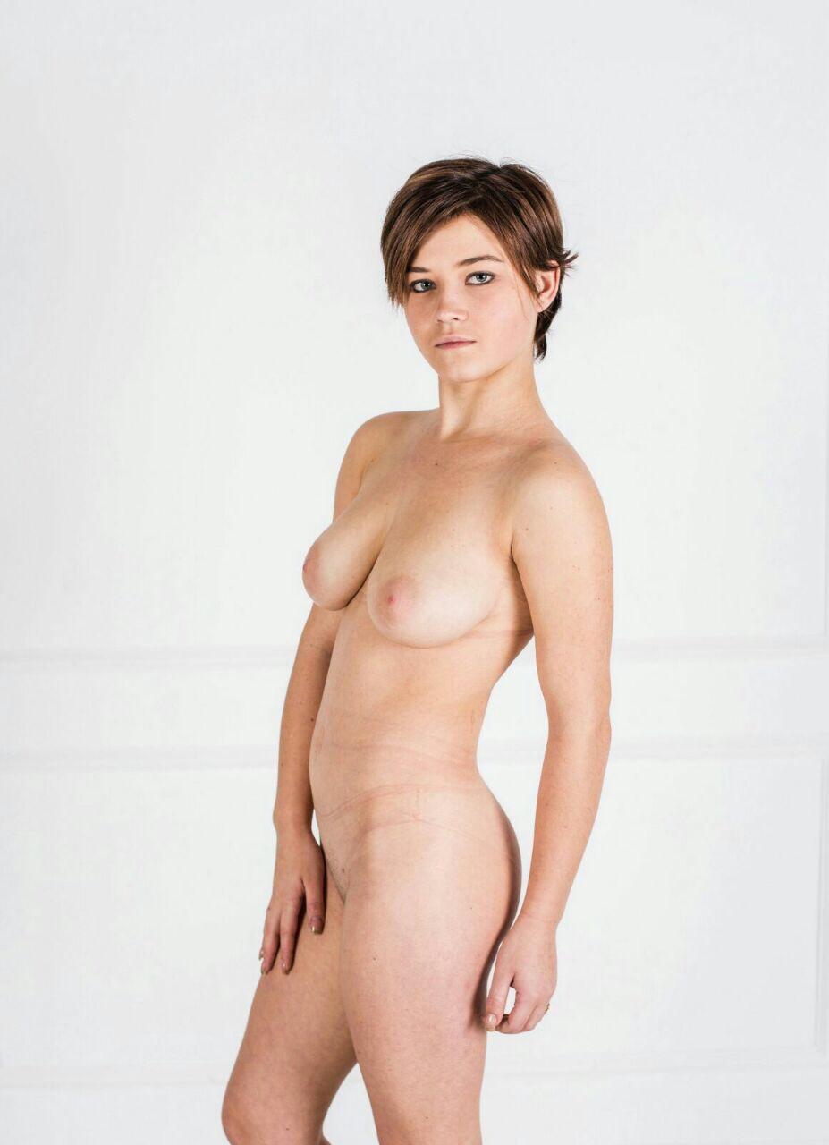 Рыжая порнозвезда в очках с большими сиськами  Порно Фото